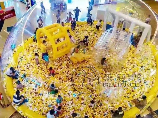 儿童水晶宫海洋球池游乐园项目是莱恩斯根据客户反馈研发设计,可以