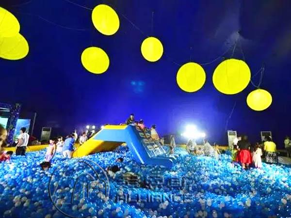充气城堡 水晶宫海洋球乐园 移动水上乐园 支架游泳池          根据